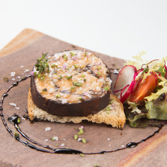 Receta de Navidad: Bombón de foie con cacao natural y cacahuetes